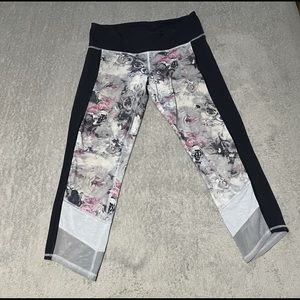 Lululemon If You're Lucky Crop size 8 (Luxtreme)